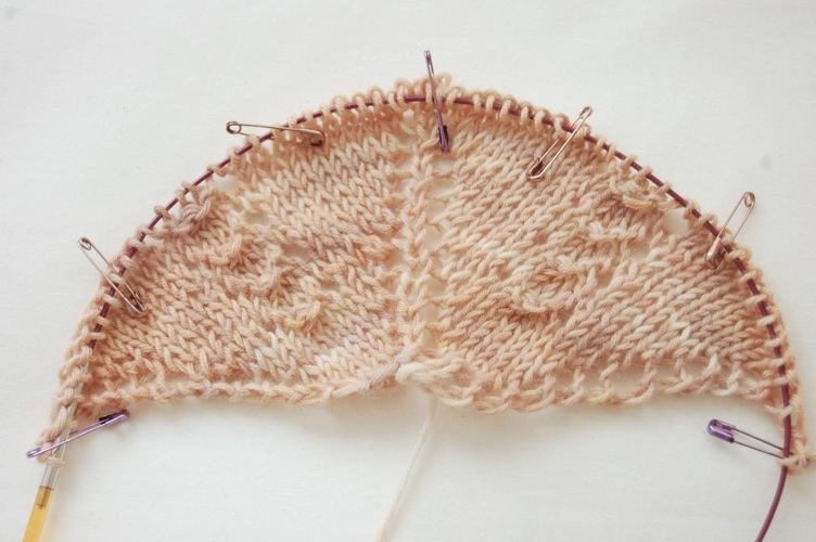 fill-in-the-blanks shawl design